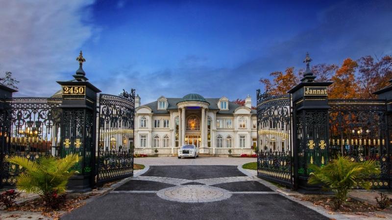 A reformar la casa de un broker que hizo fortuna for Mansiones con piscina