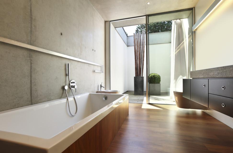 Baño con pared de hormigón visto. Fotos para que te inspires ...
