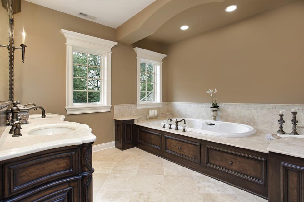 Ba o cl sico de tonos marr n fotos para que te inspires - Most popular bathroom paint colors ...