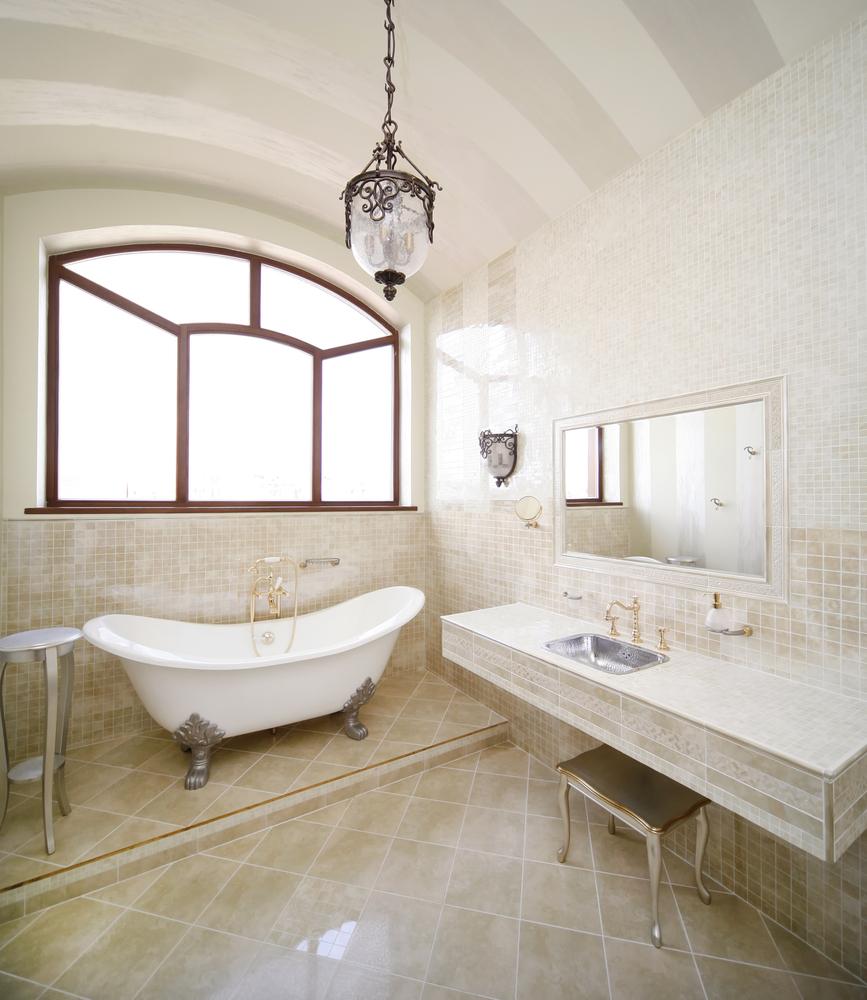 Griferia Para Baño Dorada:Estilo Clásico > Baños clásicos > Baño vintage con ventana en arco