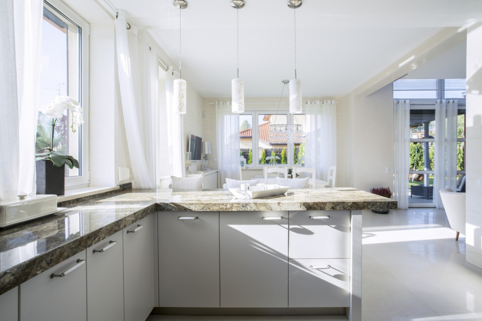 Cocina cl sico moderna blanca fotos para que te inspires for Cocinas cuadradas modernas