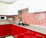 Cocina moderna de color rojo