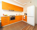 Cocina exótica de muebles naranja