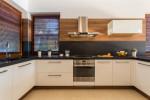 Cocina moderna blanco y madera