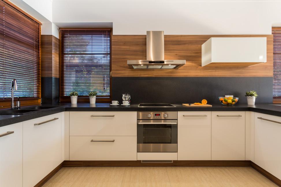 Cocina moderna blanco y madera fotos para que te inspires - Cocinas de madera de roble ...