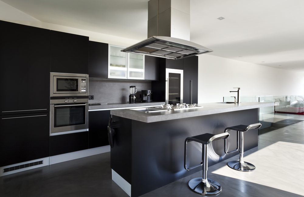 Cocina moderna en negro fotos para que te inspires for Cocinas modernas 2015