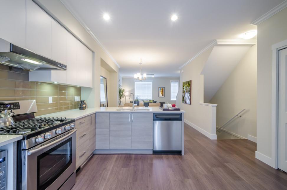Cocina moderna minimalista en beige fotos para que te for Mostrar cocinas modernas