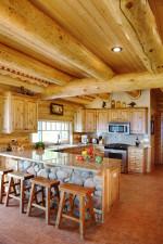 Cocina rústica con vigas de madera