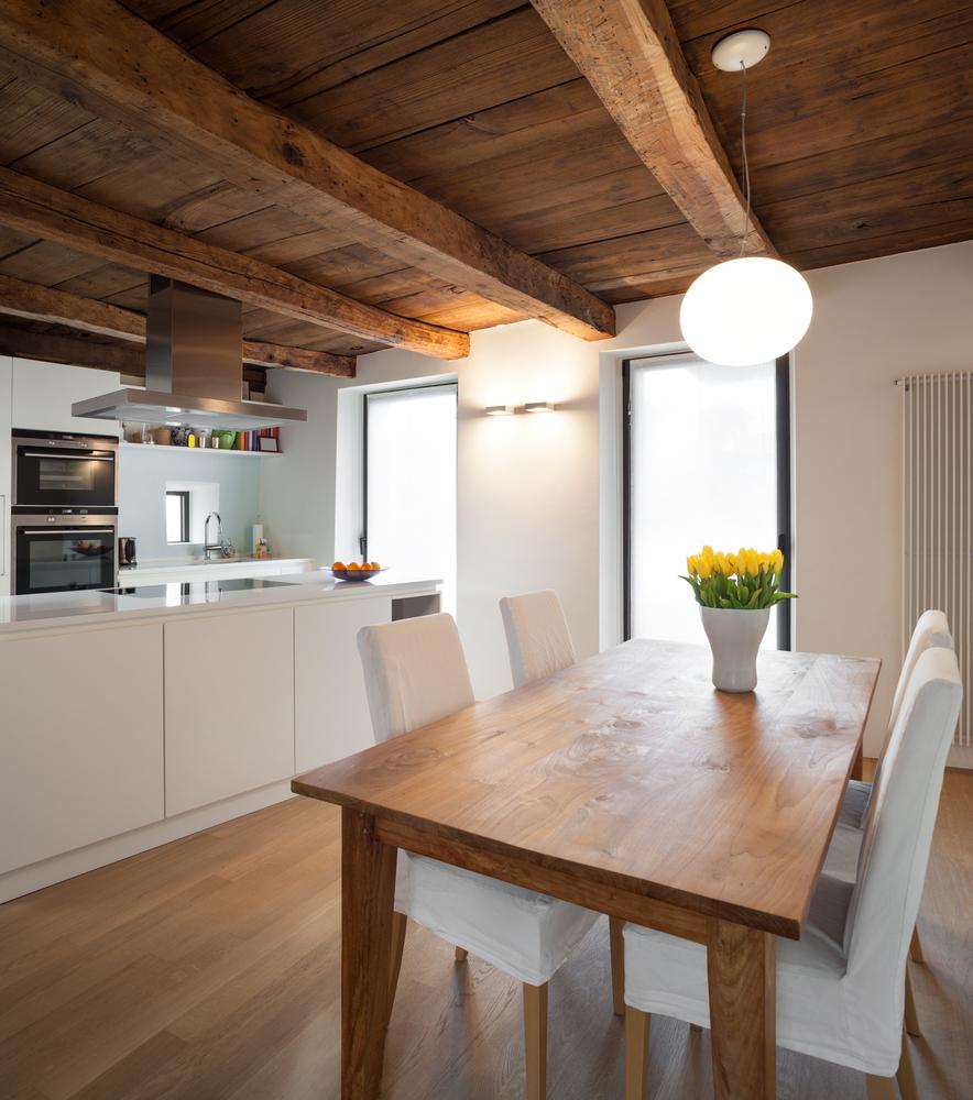 Cocina n rdica con elementos modernos fotos para que te for Suelos para cocinas rusticas