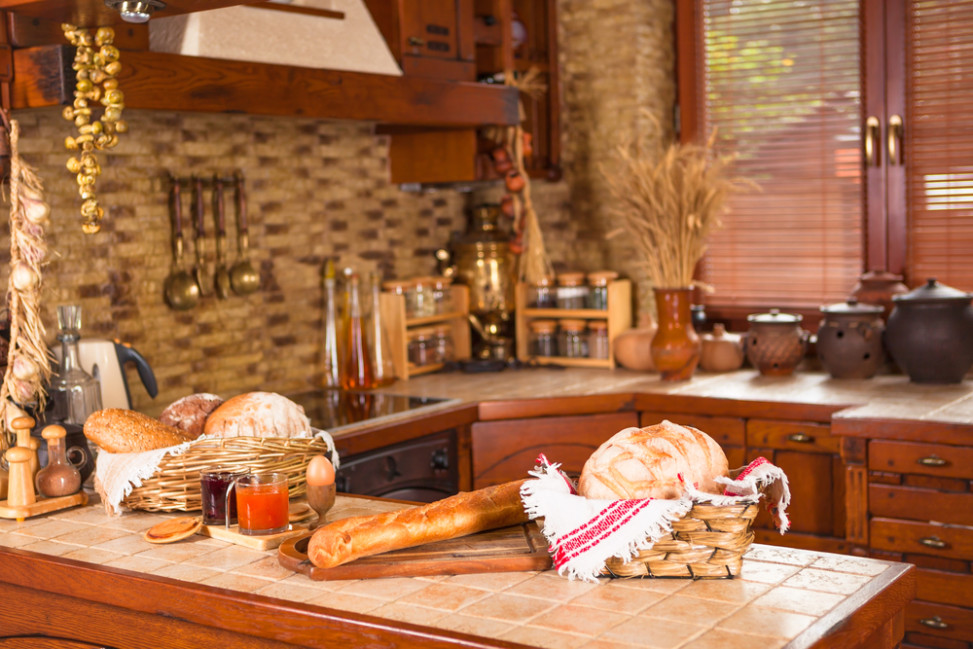 Cocina r stica todo en madera fotos para que te inspires - Campanas de cocina rusticas ...