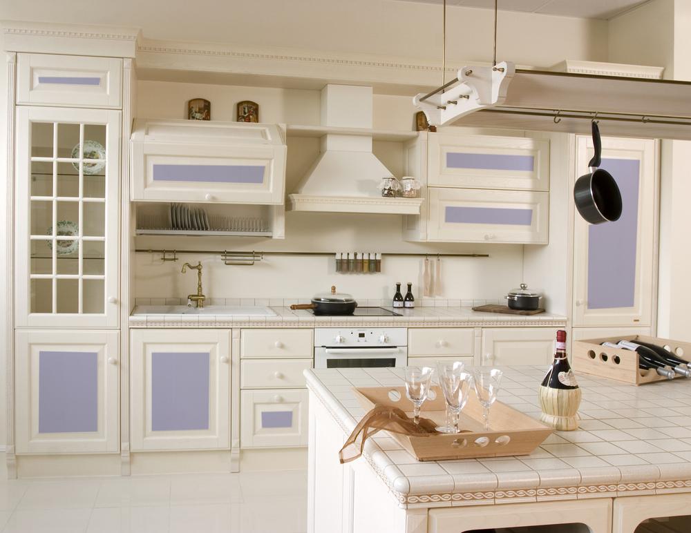 Cocina vintage en blancos y azules fotos para que te for Cocinas rusticas blancas