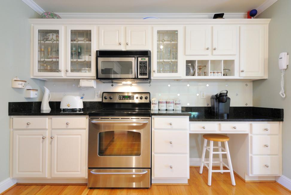 Cocina vintage suelo de madera fotos para que te inspires for Cocinas con suelo gris oscuro
