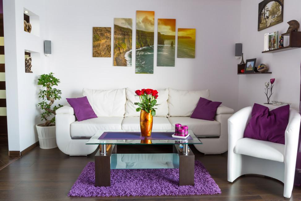 Sal n peque o minimalista blanco fotos para que te inspires 3presupuestos - Decoracion salon colonial ...