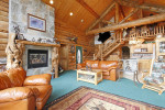 Salón rústico de madera