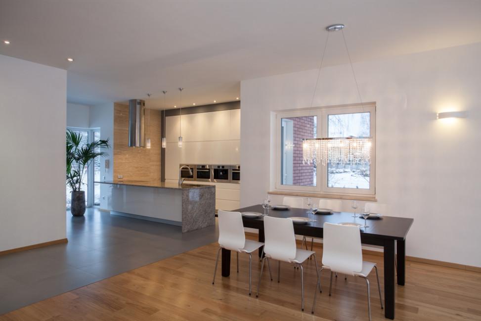 Cocina-comedor moderno con cambio de suelo. Fotos para que te ...
