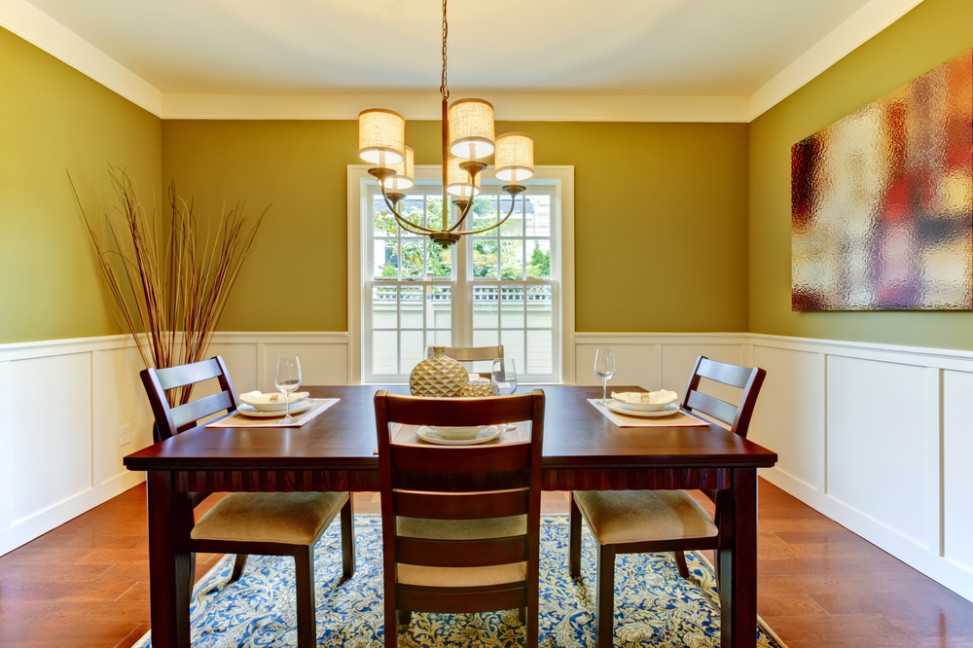 Comedor ecl ctico con pared verde pistacho fotos para que for Techos y paredes verdes