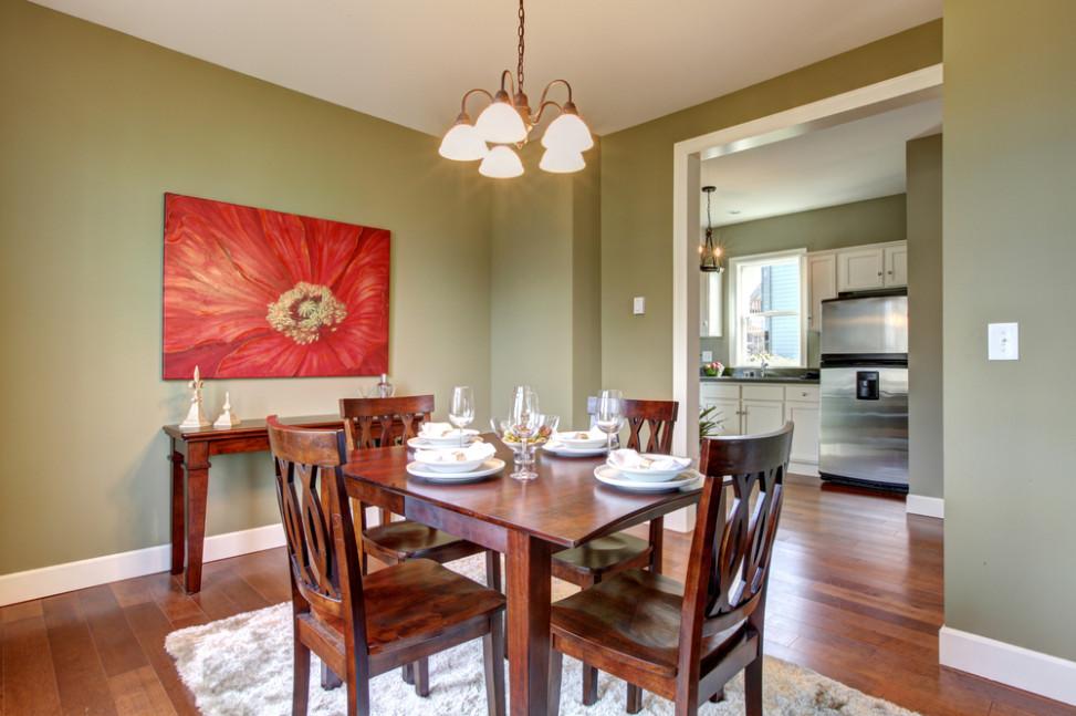Comedor ecl ctico con suelo de madera fotos para que te inspires 3presupuestos - Muebles color cerezo como pintar paredes ...