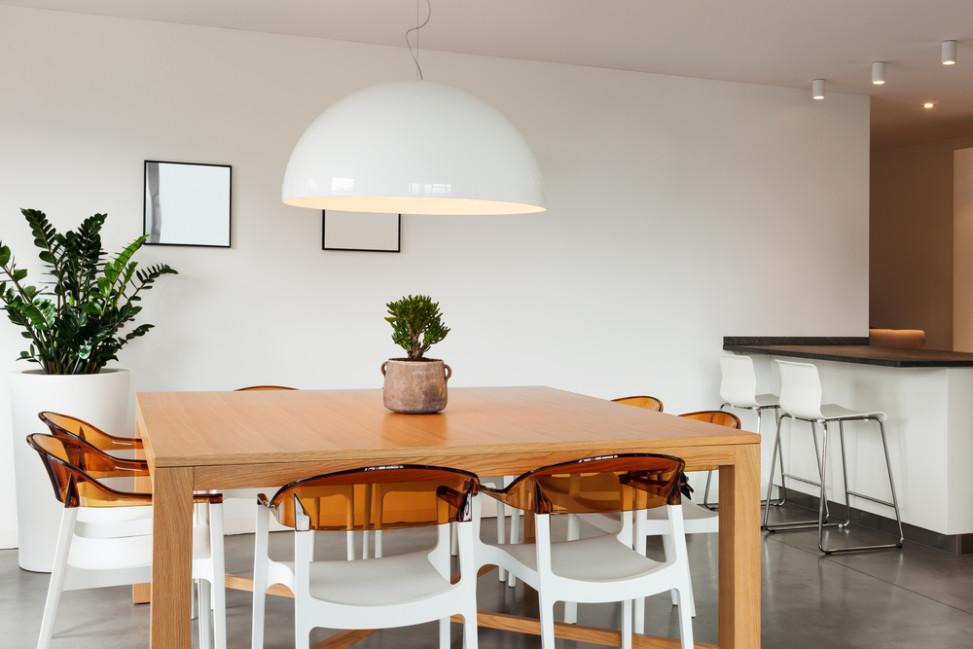 Comedor ecl ctico con suelo gris fotos para que te inspires 3presupuestos - Iluminacion para comedores ...