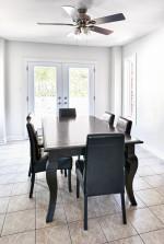 Comedor mediterráneo con muebles clásicos