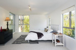 Dormitorio nórdico en blanco y negro