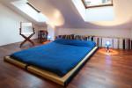Dormitorio estilo japonés en buhardilla