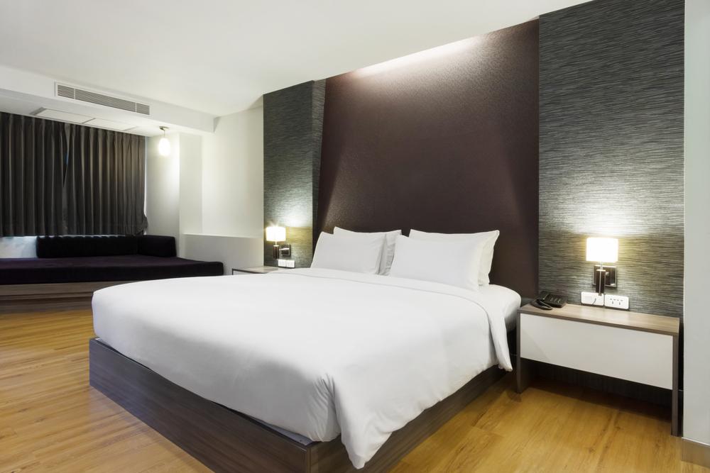 Dormitorio tipo hotel moderno fotos para que te inspires for Dormitorios minimalistas pequenos