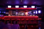 Bar vintage con iluminación roja