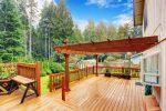 Terraza de estilo asiático con jardín