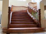 Escalera majestuosa de madera
