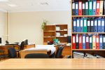 Oficina estándar en tonos beige