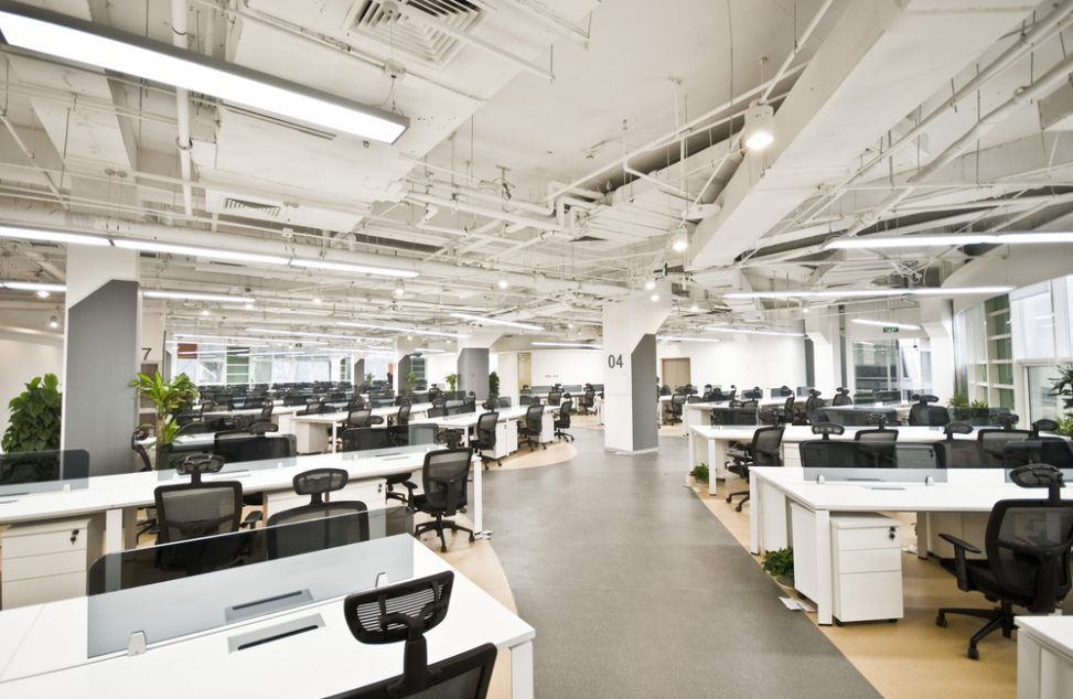 Oficina de estilo industrial con fluorescentes fotos para for Estilos de oficinas