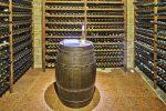Bodega rústica con barril