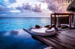 Piscina exótica con vistas al mar