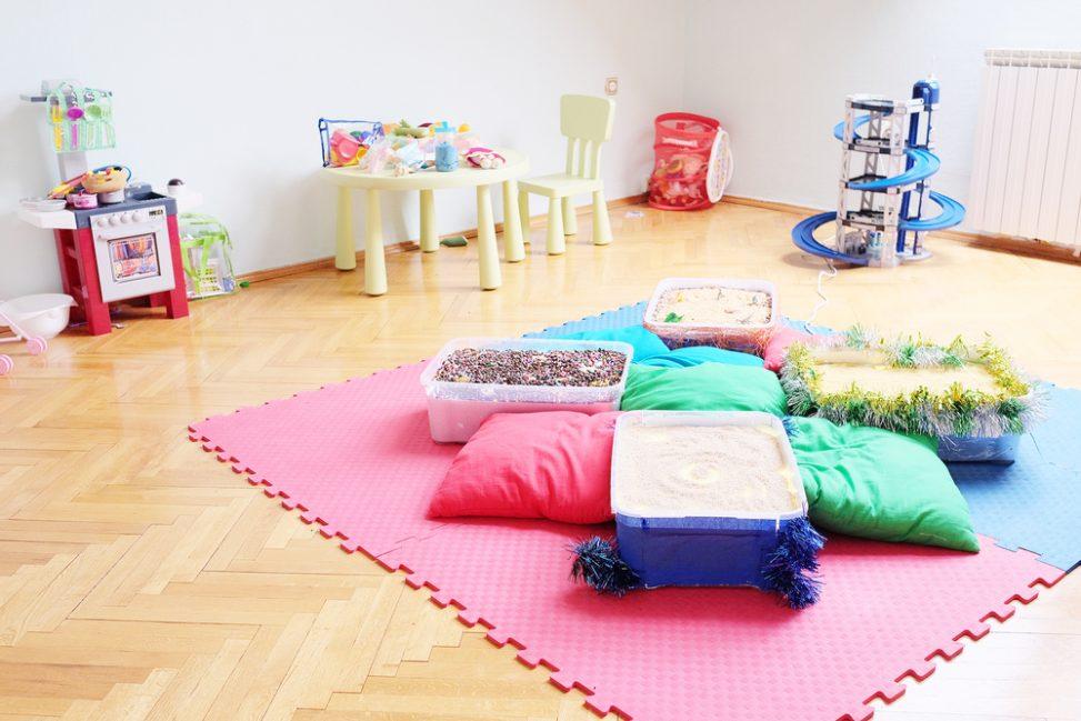 Sal n de juegos moderno con alfombra de goma eva fotos para que te inspires 3presupuestos - Alfombra de goma eva ...